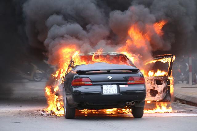 Cháy nổ xe Ô tô