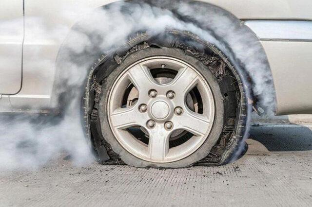 Nổ lốp xe ô tô và các cách phòng tránh