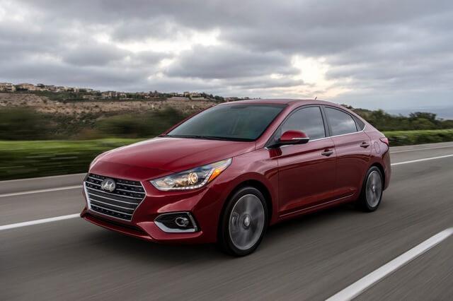 Ô tô 4,5 chỗ giá rẻ Hyundai Accent