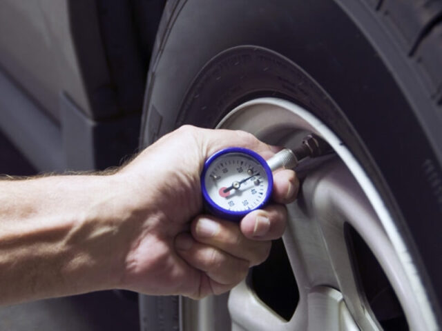 cảm biến áp suất lốp loại nào tốt