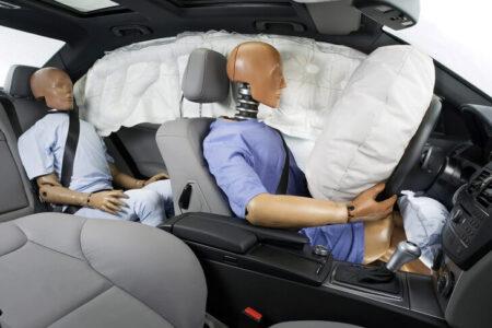 Các tính năng an toàn trên xe ô tô hỗ trợ đắc lực cho người lái