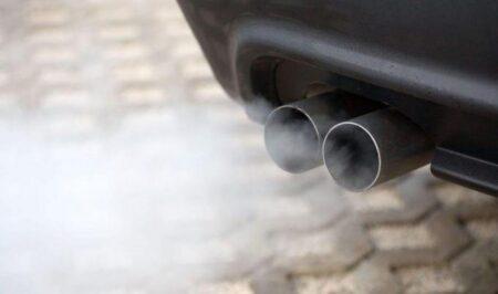 Xe ô tô bốc khói trắng là dấu hiệu gì? Cách khắc phục ra sao?