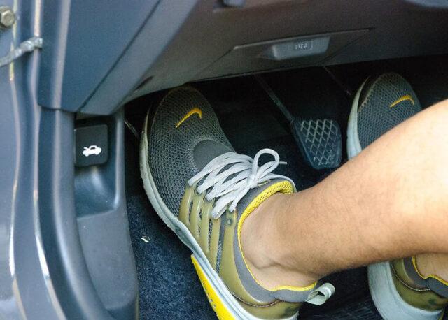 lái xe tiết kiệm xăng