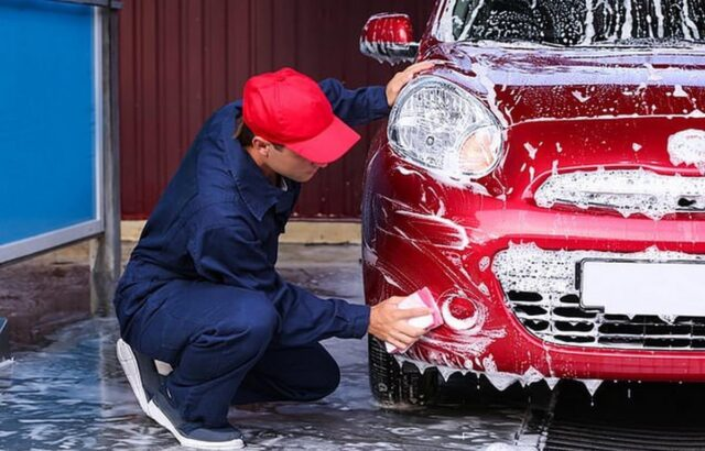 rửa xe ô tô