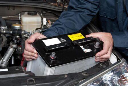 Hướng dẫn nên chọn loại bình ắc quy xe ô tô nào và cách sử dụng đúng chuẩn