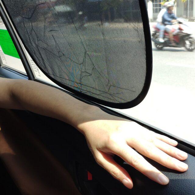 miếng dán chống nóng ô tô