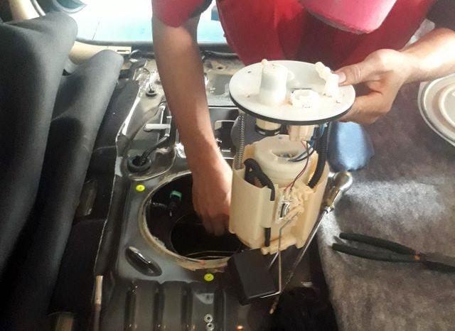Bơm xăng ô tô