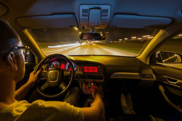 Kỹ năng lái xe ban đêm